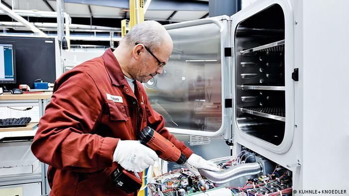 Tuttlingen | Herstellung von Spezialkühlschränken beim Labortechnik-Hersteller Binder GmbH