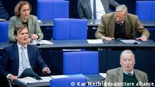 Mitglieder der AfD-Fraktion im Bundestag. Vorne: Fraktionschef Alexander Gauland