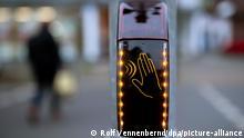 BdT Deutschland Kontaktlose Ampel in Düsseldorf