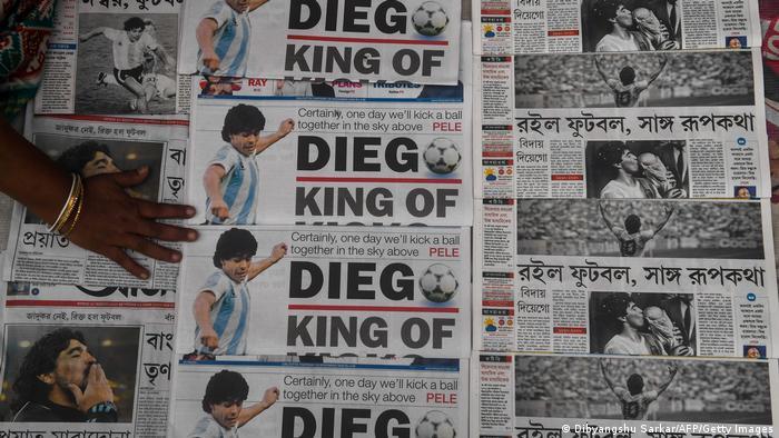 دیگو آرماندو مارادونا در سن ۶۰ سالگی بر اثر ایست قلبی درگذشت. او که به باور برخیها بهترین فوتبال تاریخ محسوب میشود، در خانهاش چشم از جهان فرو بست. اشک سوگ تنها در چشمان مردم زادگاهش، آرژانتین حلقه حلقه نزده، بلکه فوتبال دوستان سراسر جهان در ماتم فرو رفتهاند.