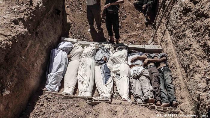 Масове захоронення жертв військового конфлікту у Сирії
