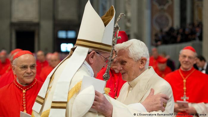 Vatikan Vatikanstadt | Papst Franziskus und Emeritus Benedict XVI