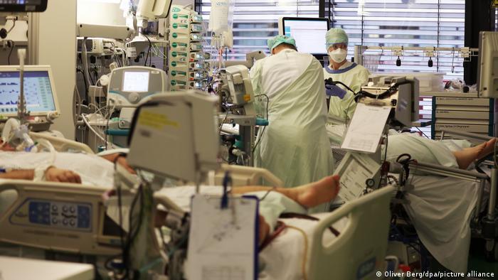 BG Corona-November in Deutschland   Intensivstation der Uniklinik Aachen