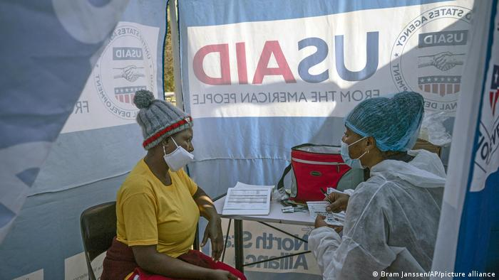 A masked medical consultation for HIV-positive patients in South Africa