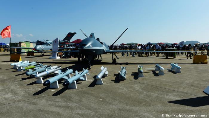 سری پنجم پهپادهای چینی چیزی کمتر از رقیب آمریکایی MQ-9-Reaper ندارند. این پهپاد ۶ هزار و ۵۰۰ کیلومتر برد دارد، میتواند ۶۰ ساعت در آسمان بماند و مسلح به ۲۴ راکت است و تا یک هزار کیلوگرم میتواند مهمات حمل کند. تولید سری دیگری از این پهپادها با توانایی ماندن ۱۲۰ ساعت در آسمان و افزایش برد آن به ۱۰ هزار کیلومتر در برنامه قرار دارد.