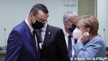 Polens Ministerpräsident Morawiecki im Gespräch mit Kanzlerin Merkel (Archiv)
