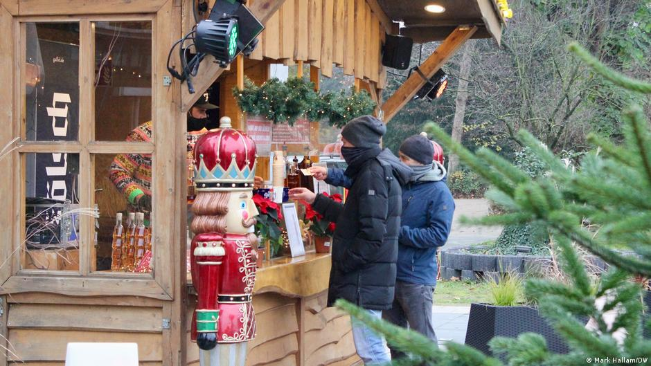 Coronavirus: No Christmas markets — but some mulled wine 'to go'