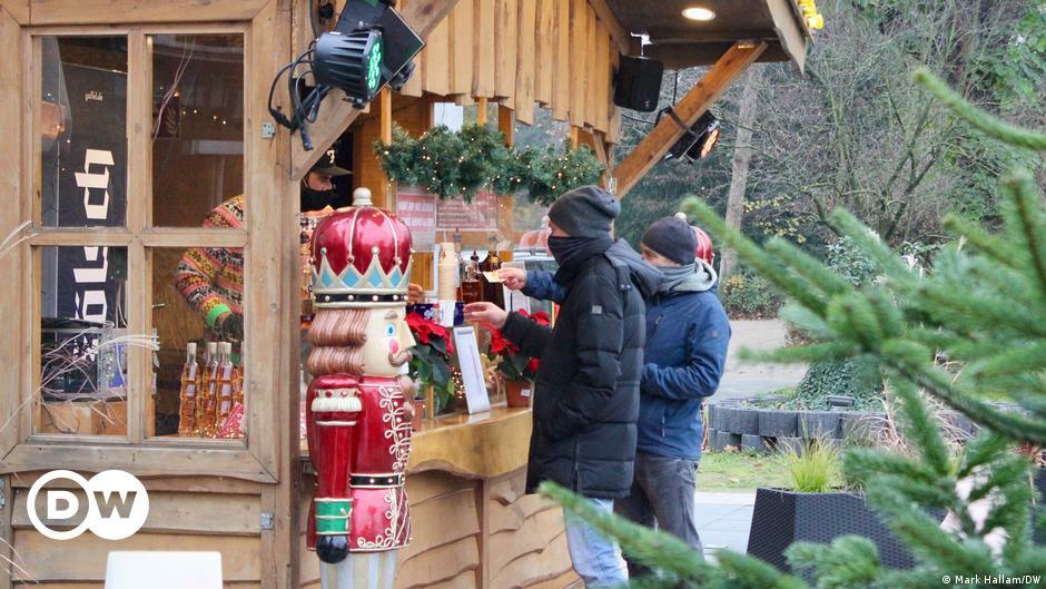 Coronavirus: No Christmas markets — but some mulled wine 'to go'