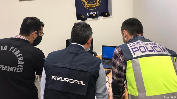 Europol I Razzia gegen einen mutmaßlichen Drogenring in Brasilien, Europa und Asien