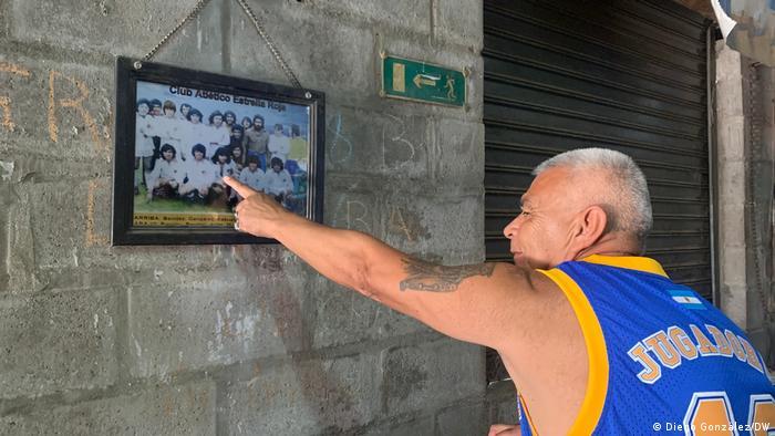 Argentinien Buenos Aires Fiorito Maradona Trauer Estrella Roja