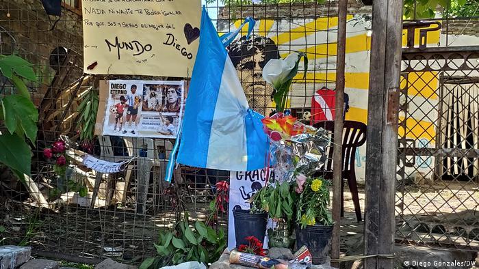 Argentinien Buenos Aires Fiorito Maradona Trauer Altar