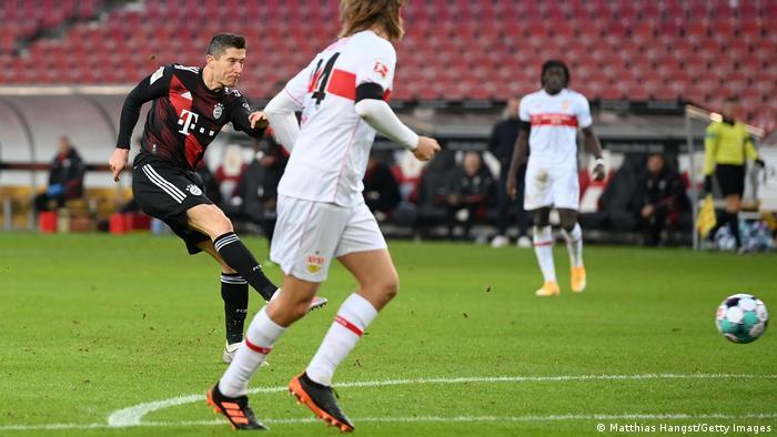 Fußball Bundesliga VfB Stuttgart v Bayern München | Tor 1:2 Lewandowski