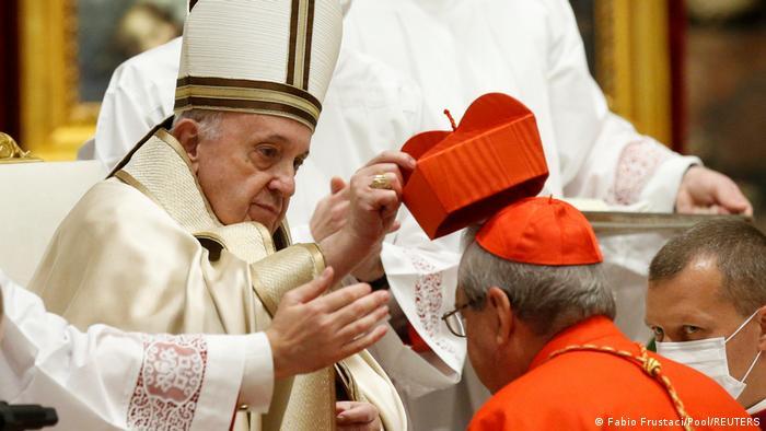Francisco en el Vaticano.