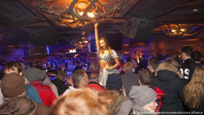 Вечеринка в баре в Ишгле