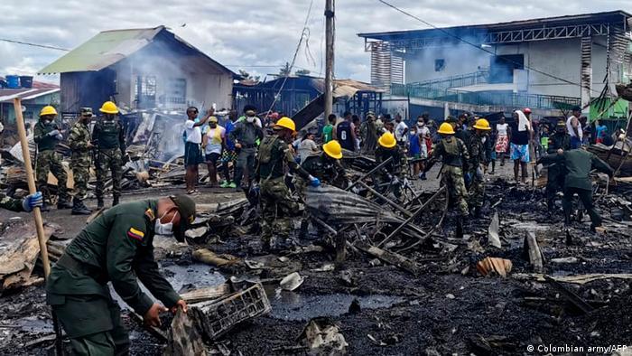 Foto de restos de las casas incendiadas en Riosucio