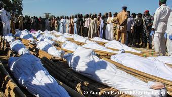 Corpos sepultados no estado de Borno