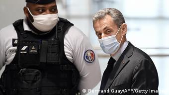 Ο Ν. Σαρκοζί δικάζεται για «διαφθορά και αθέμιτη άσκηση επιρροής»