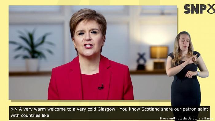 Nicola Sturgeon fala em videoconferência