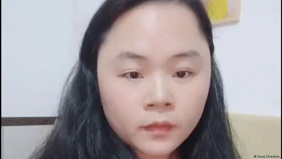 中國潑墨女子董瑤瓊在消失超過2年後,11月30日上傳一個視頻到推特上,並在視頻中指控中國政府持續對她實施高壓監控。