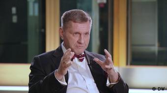 Ведущий программы вТРЕНДde Константин Эггерт