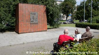 To μνημείο Βίλι Μπραντ στην ομώνυμη πλατεία της Βαρσοβίας