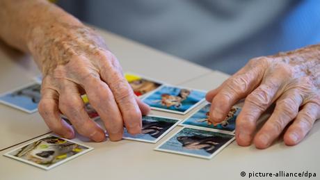 أمل جديد لمرضى الزهايمر، ولكنه مرتبط بشكل كبير بالكشف المبكر عن أعراض المرض