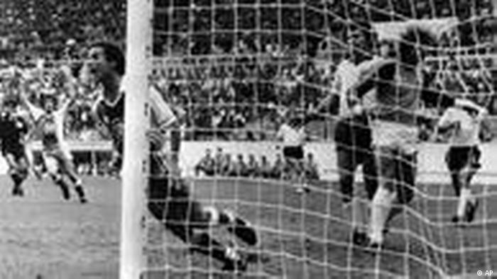 Fußball Weltmeisterschaft 1982 Deutschland Algerien (AP)