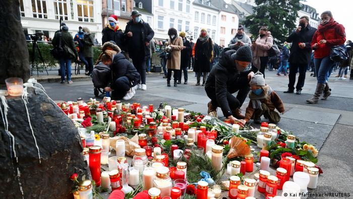 Трірці вшановують пам'ять загиблих унаслідок наїзду