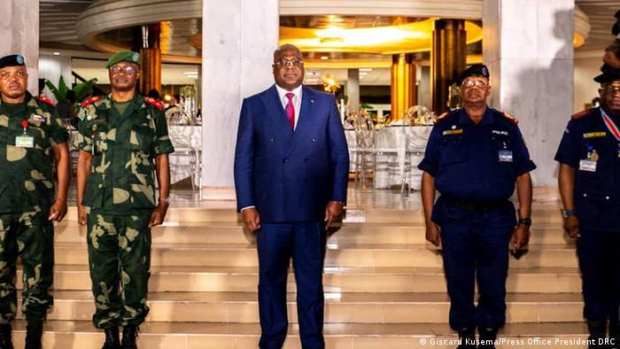 Félix Tshisekedi between army leader