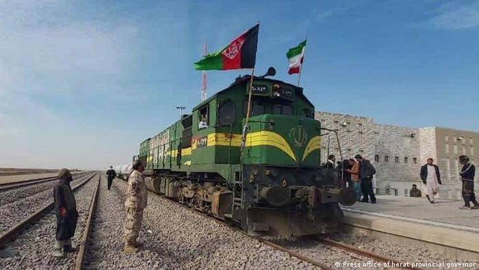 Afghanistan | Erster Güterzug mit Exportwaren vom Iran in Afghanistan