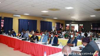 Encontro de ONGs em Manica