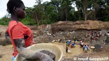 Zentralafrikanische Republik Symbolbild Kinder Mine