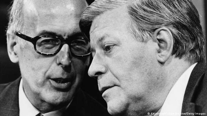 French President Valery Giscard d'Estaing (left) talking to German Chancellor Helmut Schmidt at a press conference in Bonn,1980.