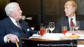 O Χέλμουτ Σμιτ με τον Βαλερί Ζισκάρ ντ' Εστέν τον Ιανουάριο του 2003