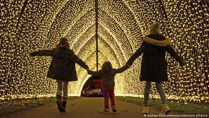 Ukraine   Weihnachtslichter in Kiew