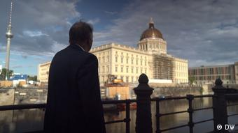 Cultural ambassador Klaus-Dieter Lehmann looking at the Berlin Humboldt Forum