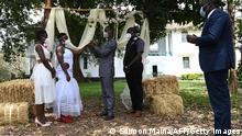 Hochzeitsgesellschaft in Kenia