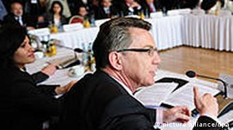 Deutsche Islam-Konferenz 2010 mit Innenminister Thomas de Maizière, Foto: dpa