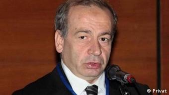Ceza hukukçusu Prof. İzzet Özgenç