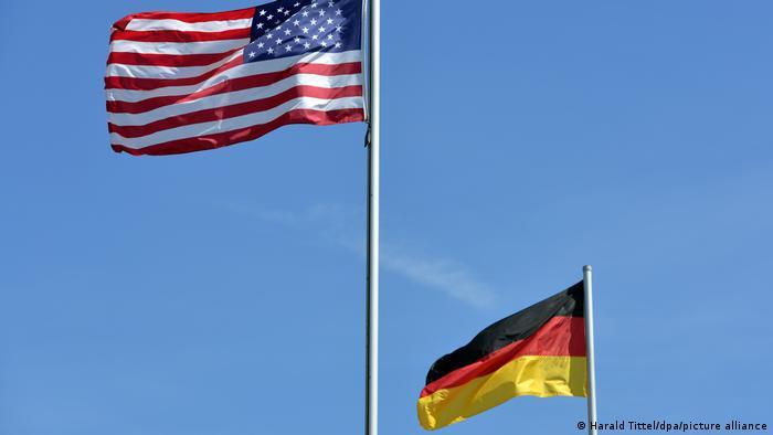 Flaggen USA und Deutschland