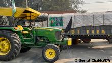 Description: Thousands of Indian farmers from the northern Punjab-Haryana belt driven down on tractors to camp outside New Delhi. They are protesting new farming legislation that they say will leave them at the mercy of corporates. Date: December 3, 2020 Taken by: Seerat Chabba, DW Location: New Delhi, India