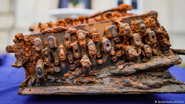 The Enigma machine at the handover