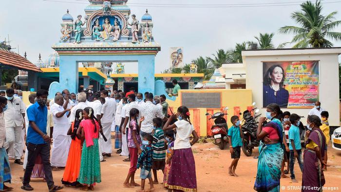 India: alegría sobre la victoria de Kamala Harris en Thulasendrapuram.