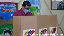 Venezuela Parlamentswahlen Wahllokal