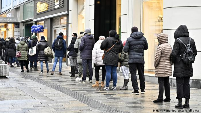 People line up to shop in Vienna