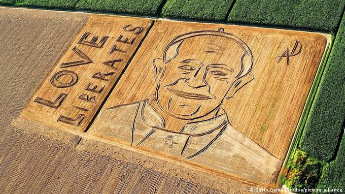 Aerial view of portrait of Pope Francis - land art by Dario Gambarin