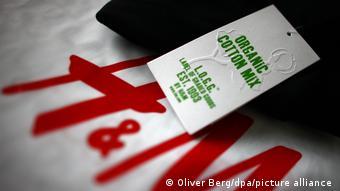 Deutschland Köln | Textilkette H&M | Skandal um Bio-Textilien