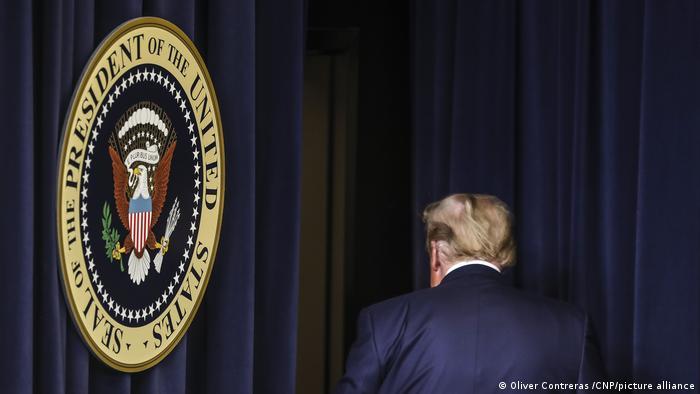 Opinião: Trump deve ser afastado para sempre da política