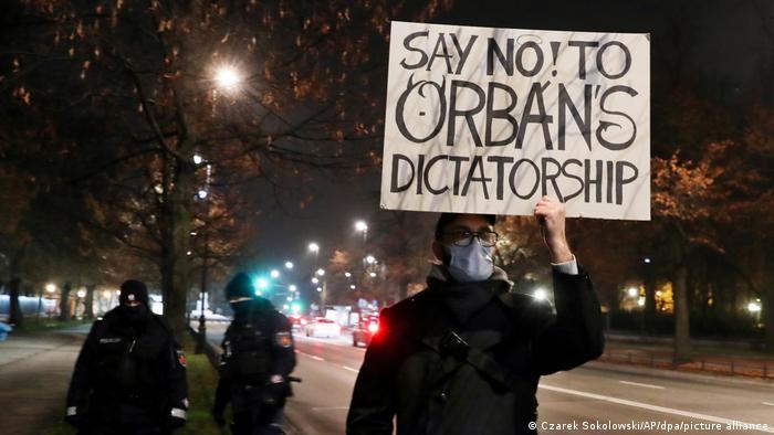 Polen | Besuch Viktor Orban | Proteste in Warschau