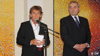 Peter Maffay bei der Verleihung des rumänischen Verdienstkreuzes in der Rumänischen Botschaft in Berlin (Foto: DW)